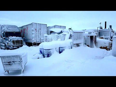 Blizzard Aftermath (Trucking Vlog #53)