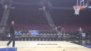 Reggie Miller Knocks Down Jumpers at Site of 2015 NCAA Tournament
