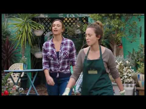 [Neighbours] 7644 Amy & Sonya & Willow...