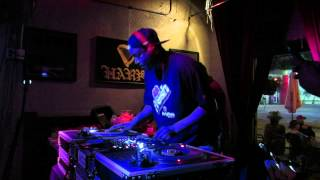Boogie Blind beat juggling at Fresh 45s