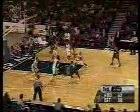 Steve Francis HUGE crossover on Ben Wallace 2000-2001