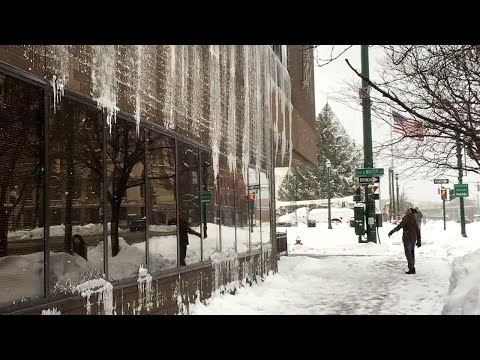 Winter Weather In Syracuse, NY: Falling Ice And Snow