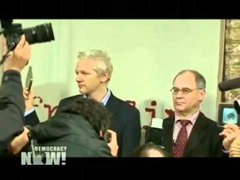 Swiss banker Rudolf Elmer hands secrets to WikiLeaks