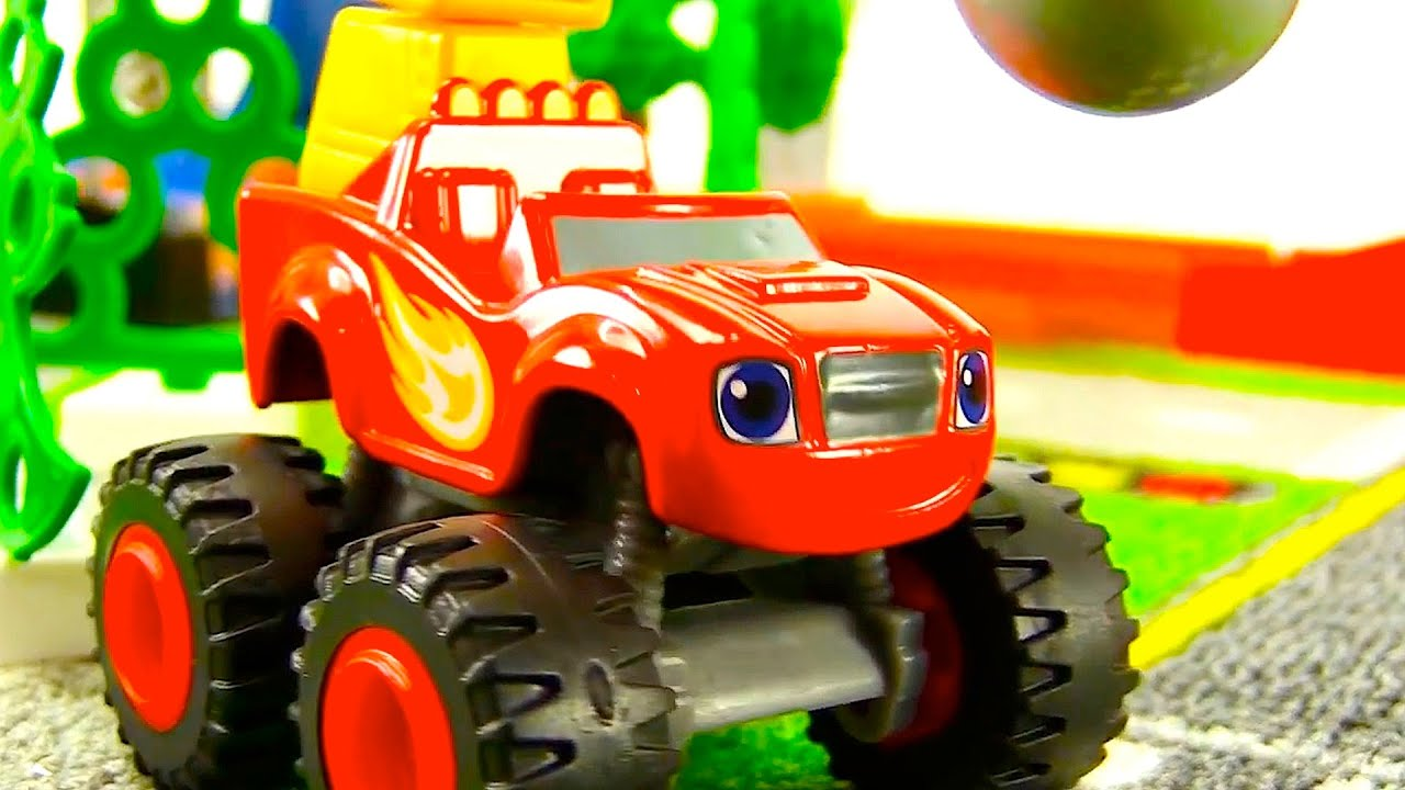 juguetes de blaze y los monster machines gruas infantiles coches para nios youtube