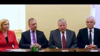 Marszałek Senatu Bogdan Borusewicz na konferencji prasowej PO w Świdnicy