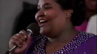 LaShun Pace - In Everything Give Thanks