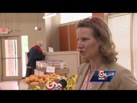 Non-profit grocery store opens in Dorchester