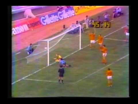 1980 (December 30) Uruguay 2-Holland 0 (Mundialito).avi