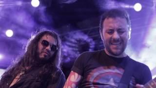Banda 4 Sticks tocando Bohemian Rhapsody ao vivo em Santos-SP. Part...