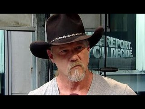 Trace Adkins returns to spotlight after rough year