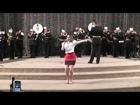 Червона Рута - військовий оркестр ПМП та Вікторія Брехар
