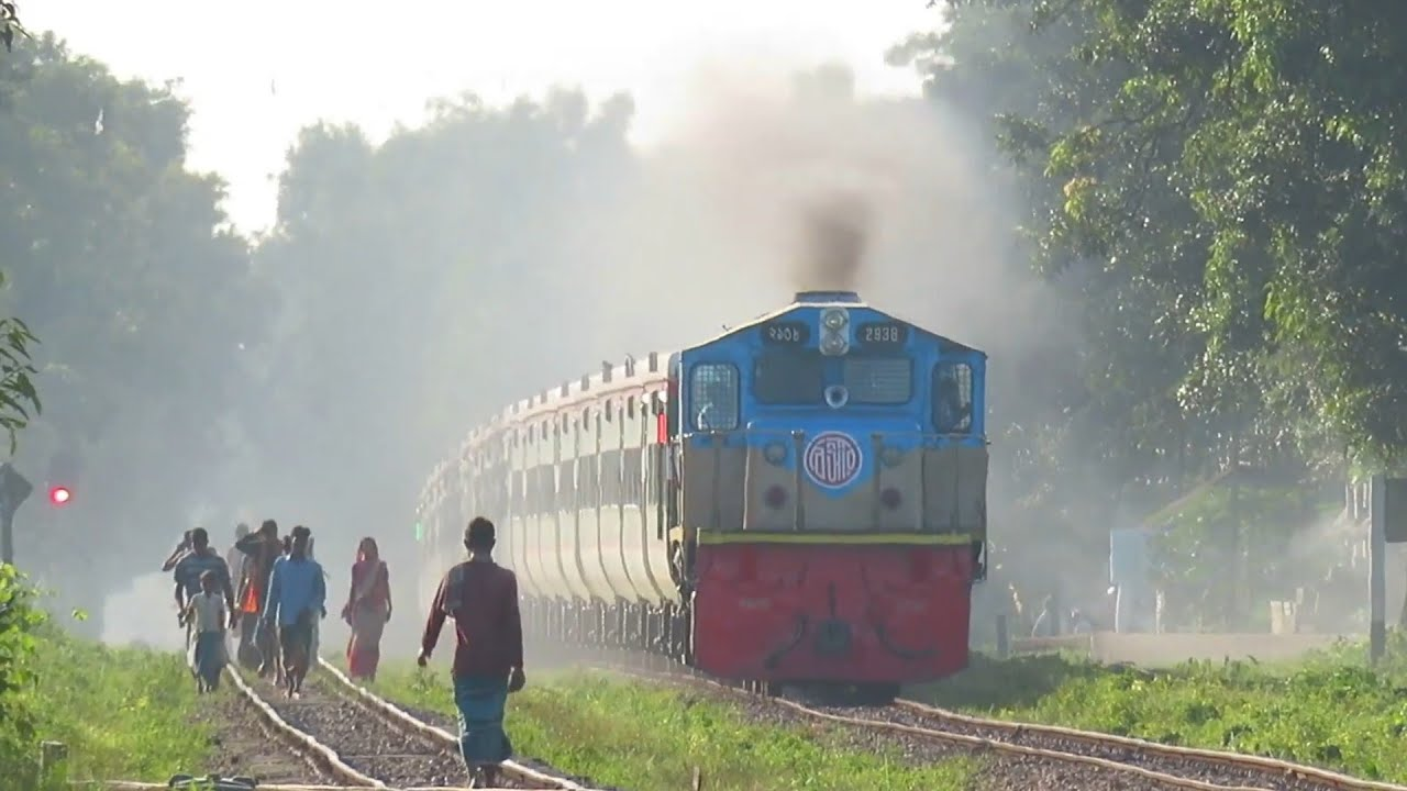 High speedy Train Bangladesh || Non stop King suborno express New PT INKA