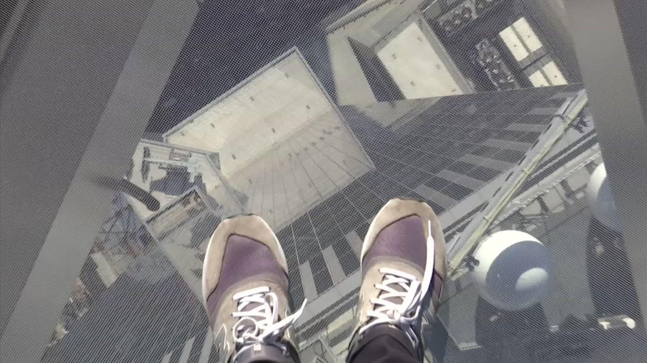 Walk On A Glass Floor 100 Stories Up In Nyc Youtube