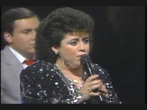 "Classic Southern Gospel Music – ""I Know a Man Who Can"" [The Perrys]"