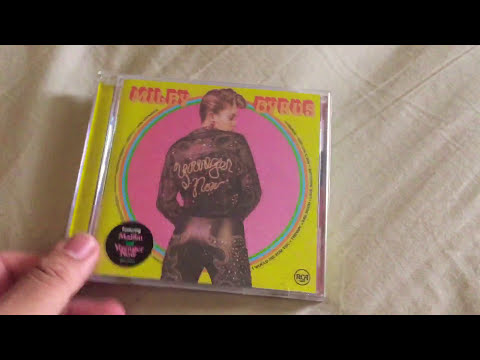Miley Cyrus Younger Now Album Unboxing