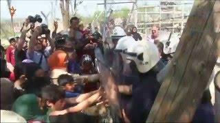 Мигранты попытались прорваться из Греции в Македонию(Мигранты, блокированные в лагере, на границе Греции и Македонии попытались прорваться через заграждения...., 2016-04-08T11:21:24.000Z)
