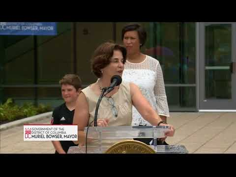 Mayor Bowser Cuts Ribbon at Murch Elementary School, 8/18/18