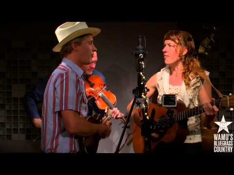 Foghorn Stringband - I'm Longing For Home [Live at WAMU's Bluegrass Country]