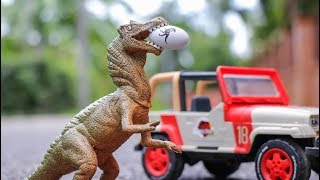 Hatching Eggs Dinosaur and Trailer Truck  - Protect Baby Dino   Truck   Car Toy Story