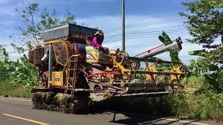 รถเกี่ยวนวดข้าว-เกษตรพัฒนา-รุ่นไอ้หนุ่มไวไฟ-เดินตามทาง-ของเขาดีจริงๆ