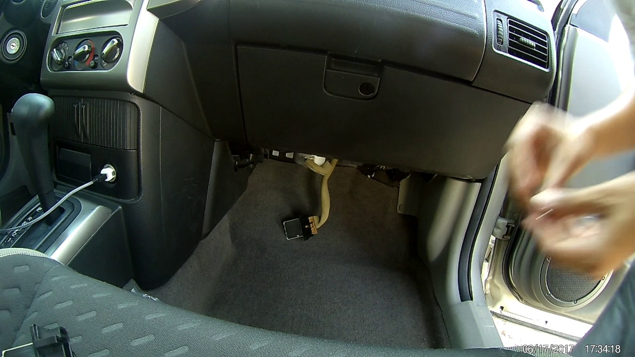 2014 Pathfinder Fuse Box How To Replace Ac Motor Resistor For The Nissan X Trail