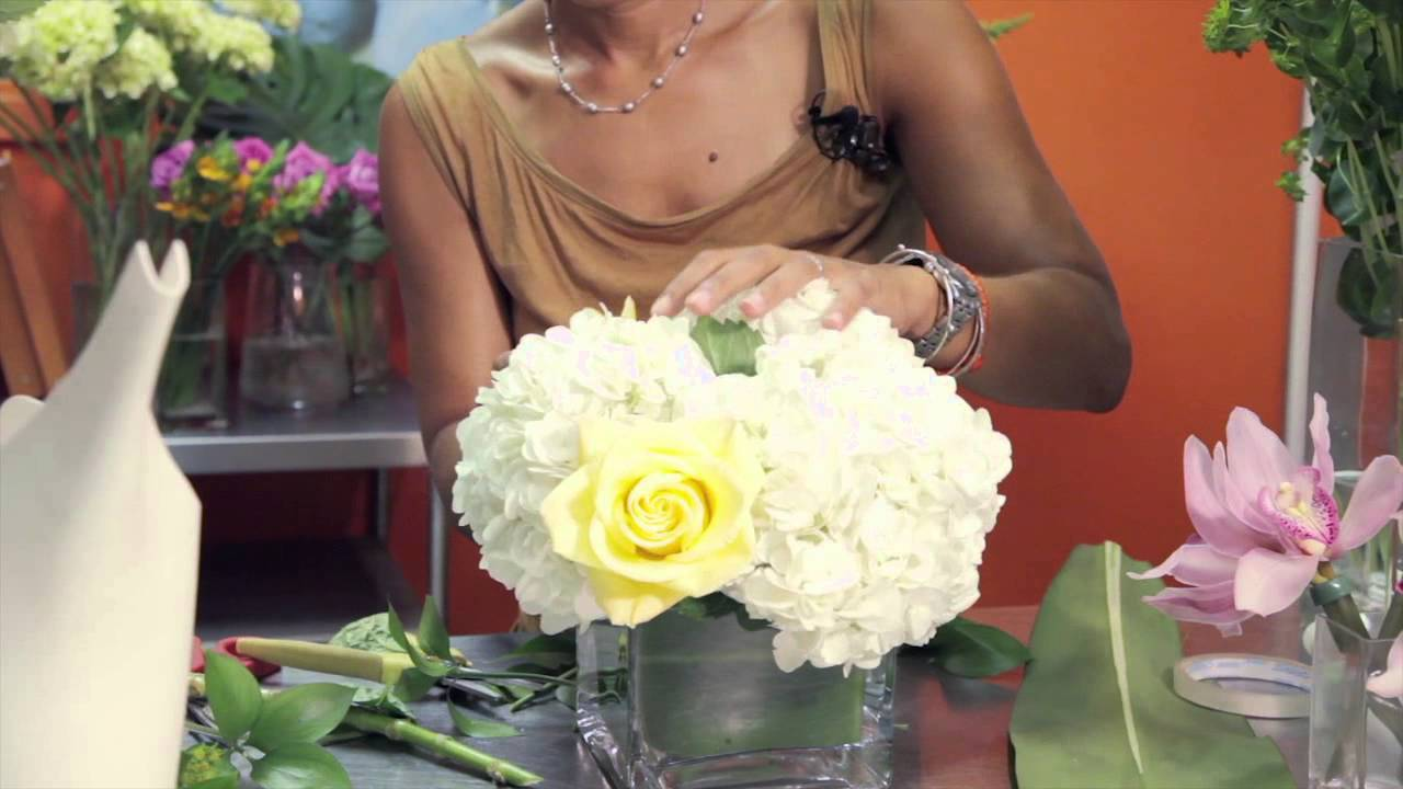 How To Make Cube Vase Centerpieces : Wedding Flowers