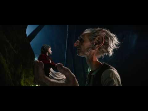 """disney's-the-bfg---""""i-catch-dreams""""-film-clip"""