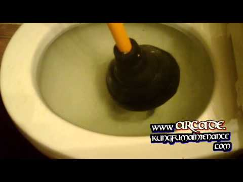 One Quick Way To Stop Toilet Overflowing Or Minimize Water Flooding From Clog