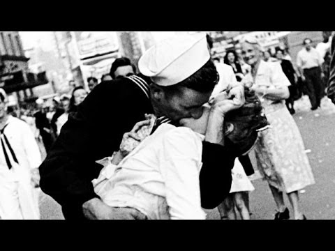 sailor in famous post war times square kiss dies youtube