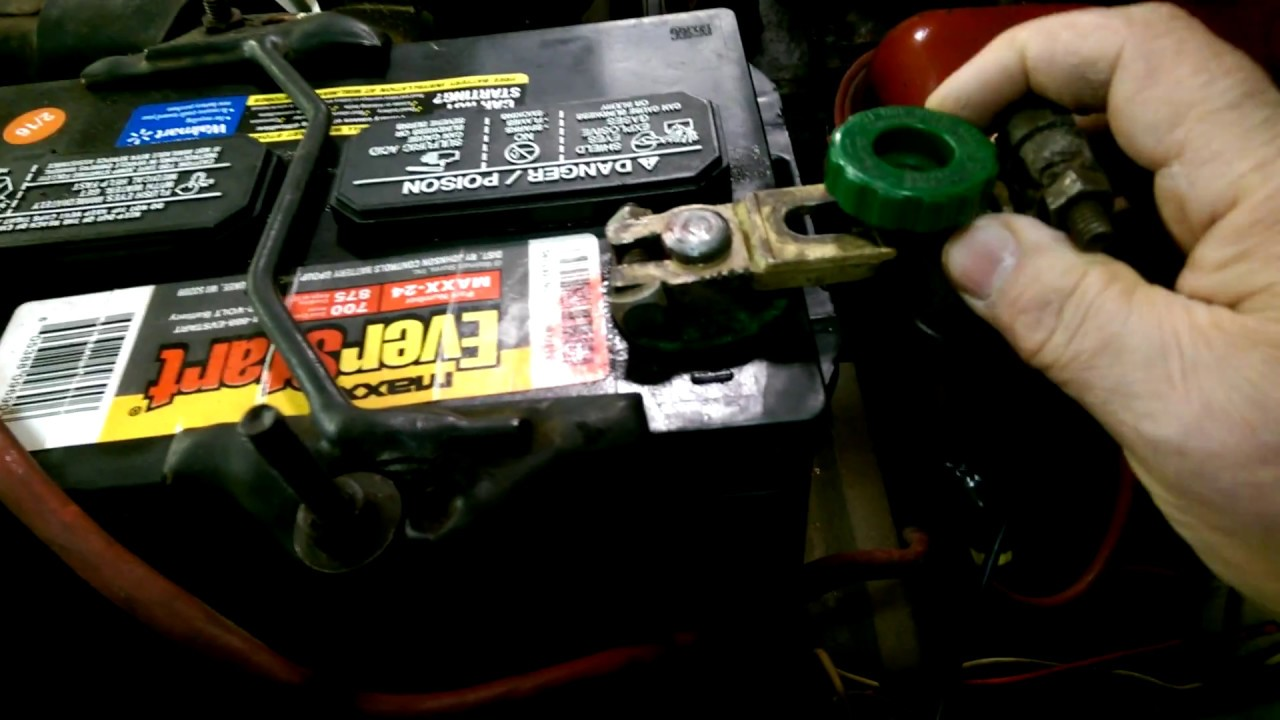 how to maintain car battery in storage