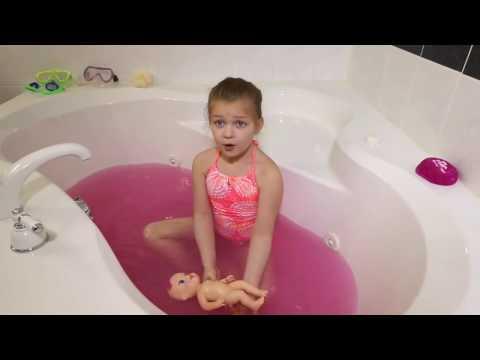 Bayi Hidup Bath Menjadi Tidak Terkendali Gelembung Ledakan!