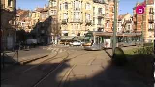 Le tram 62 à Bruxelles ne fait pas encore le plein de voyageurs.