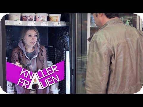 Frustessen [subtitled] | Knallerfrauen mit Martina Hill