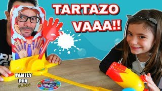 TARTAZO VAAA!!  Jugamos a CARA SPLASH BOOM Family Fun Vlogs