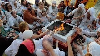 Sikhs demand that sikhnet take a stand against hindu fire puja at yogi