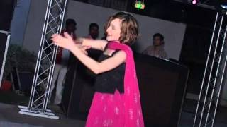 Danielle Song and Dance - India Feb 2009 - Say Naa Say Naa - Too Good to Be True - DarnPrettySmile