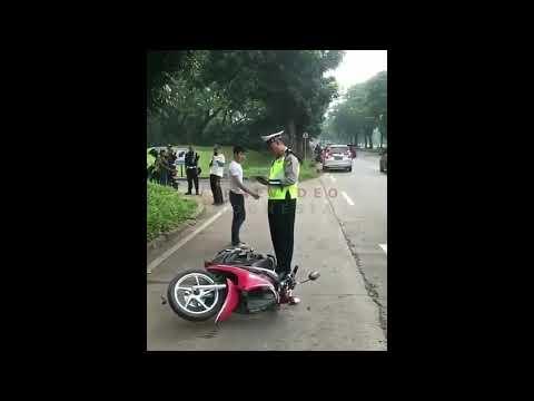 Adi Banting Motor karena Ditilang Tak Berhelm, Lawan Arus, Tak Bawa SIM-STNK Mp3