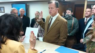 Krier taking oath during filing for re-election to SA City Council District 9