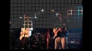 学生時代のライブ映像です。 全員同じ大学の友達で、ボーカルは今の仕事...