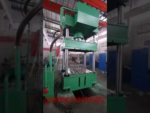 Four column oriented hydraulic press