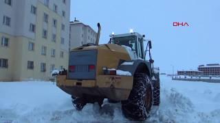 Gambar cover Van ve Bitlis'te kar, 337 yerleşim biriminin yolunu kapattı