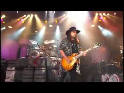 Lynyrd Skynyrd - Tuesday's Gone  (LIVE)
