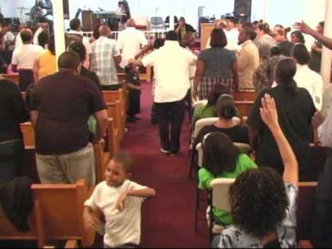 Uplifting gods kingdom concert praise break youtube for Uplifter preise