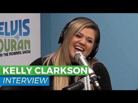 Kelly Clarkson Celebrates 'Hamilton Mixtape' + Jokes About Forgetting Lyrics | Elvis Duran Show