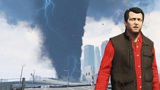 GTA 5 - MEGA Tornado in LOS SANTOS!