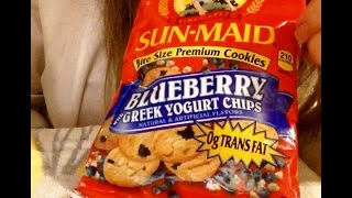 ASMR, Sun-Maid Cookies, Bite Size, Blueberry, Greek Yogurt, Review & Info, Soft Spoken,, Crinkling(Vlog 370 (Best enjoyed when wearing headphones) I think Sun-Maid should perhaps just stick to raisins and prunes.......seriously....., 2016-05-10T14:33:18.000Z)