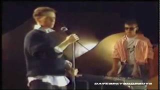 Baixar Pet Shop Boys - West End Girls (Early TV Performance)
