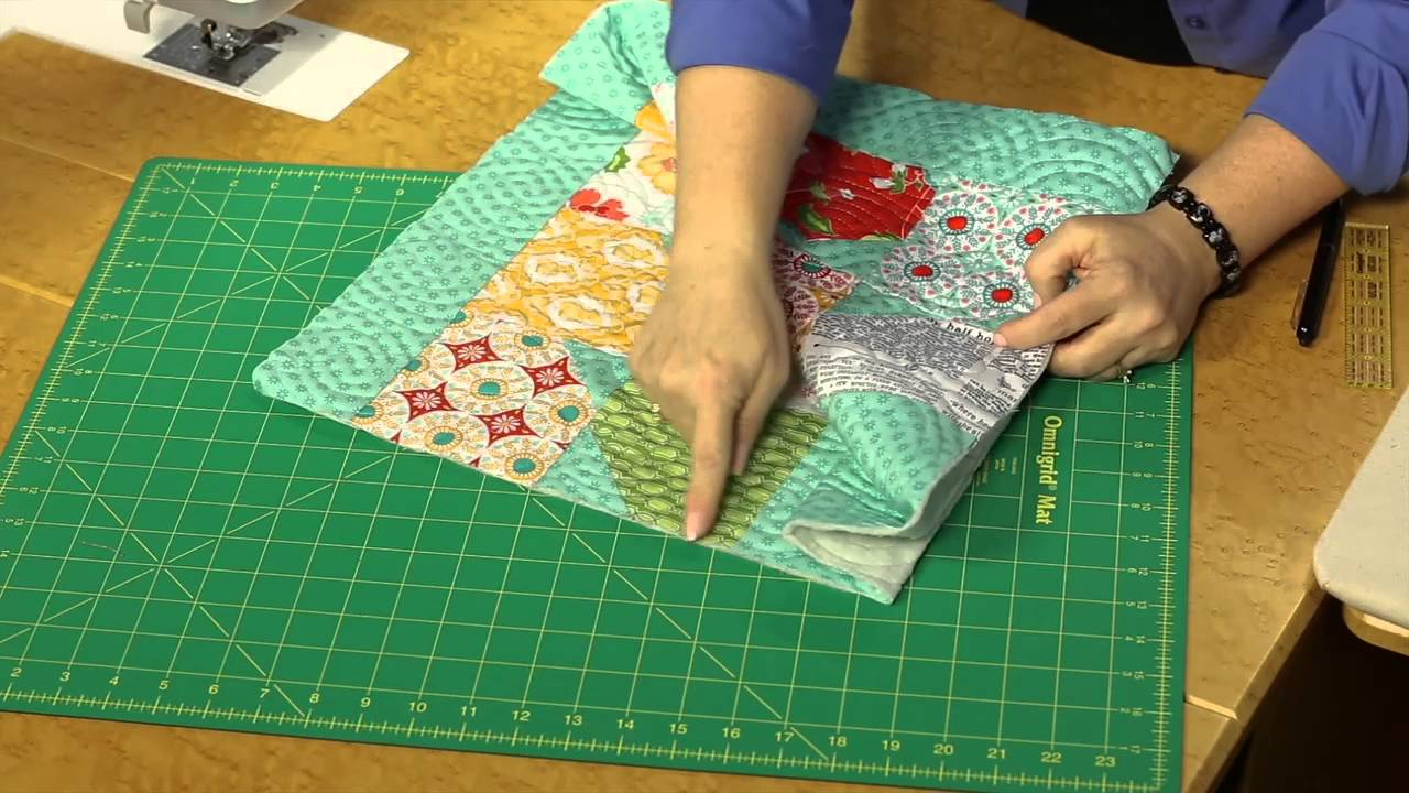 Quilting Quickly: Bow Tie Tote Bag - Easy Sewing Project - YouTube : quilting tote - Adamdwight.com