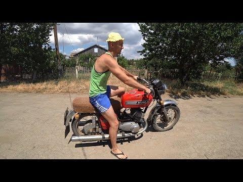 Заводим мотоцикл СССР Иж Юпитер 5 после зимы