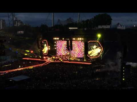 13 Coldplay - Hym For The Weekend (Live @ Olympiastadion - München / Munich - 06.06.2017)